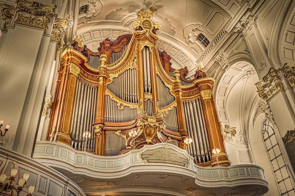 Bach, de muzikale duizendpoo